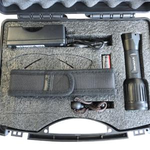 """SelectaDNA UV-lygte - Model """"FATBOY"""" - 10 watt - Politi kuffert med lader, rem og lygteholder - DNA mærkning - FindMyGPS"""
